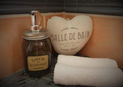 Villa des Mascareignes_Salle de bain Chambre Saveur Letchi